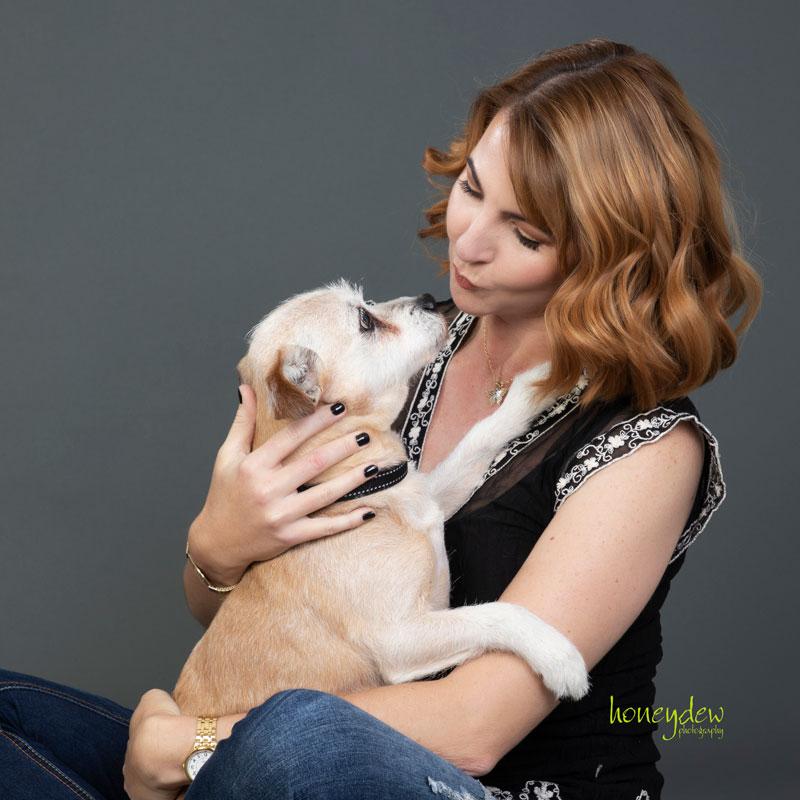 Pet photography Sydney dog kisses
